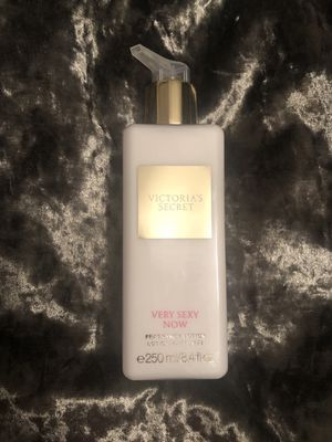 NEW Victoria's Secret Very Sexy Now Lotion for Sale in Cicero, IL