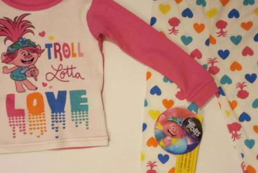 Toddler Girls Trolls Pajama 2 Piece Set In 2T for Sale in Las Vegas,  NV