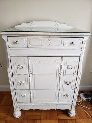 Vintage white dresser for Sale in Silver Spring, MD
