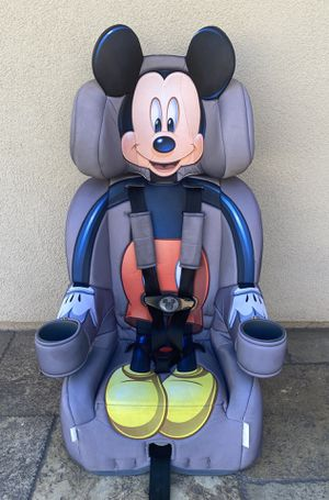 DISNEY MICKEY MOUSE CONVERTIBLE CAR SEAT!! for Sale in Colton, CA