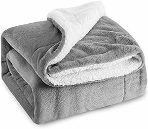 BEDSURE SHERPA FLEECE GREY PLUSH THROW BLANKET for Sale in Los Angeles, CA