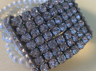 Silver Dimmond Pearl Bracelet for Sale in Nokesville,  VA