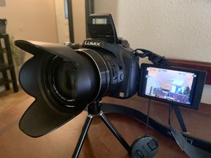 LUMIX DMC-FZ200 Digital Camera for Sale in Fresno, CA