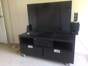 40 inch dynex smart tv with pioneer audio stereo receiverincludetv table for Sale in Alexandria, VA