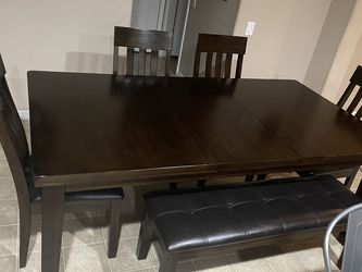Kitchen Or Dining Table for Sale in Las Vegas,  NV