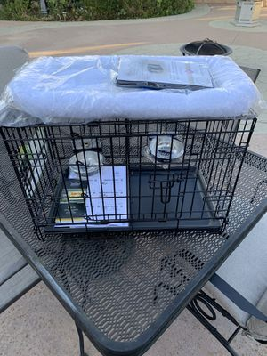MidWest iCrate Starter Kit ( includes dog crate, dog crate cover, 2 bowls & pet bed. (Brand New) for Sale in Banning, CA