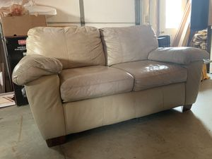 Couch / sofa Good condition for Sale in Menasha, WI