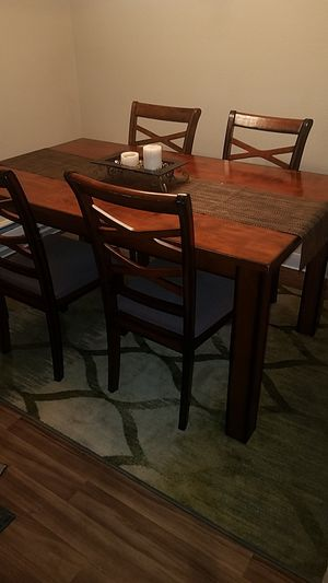 table with 4 chairs for Sale in Bremerton, WA