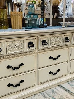 Refinished White Farmhouse 9 Drawer Dresser for Sale in Sumner,  WA