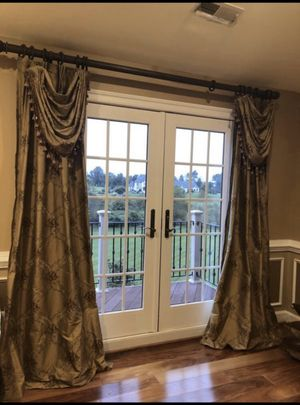 Curtains/draperies for Sale in Leesburg, VA