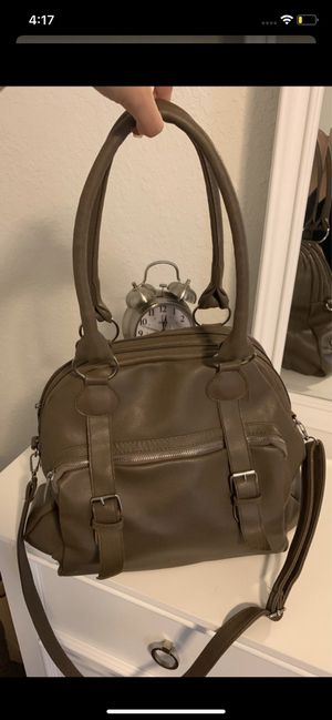 Leather bag for Sale in Valrico, FL