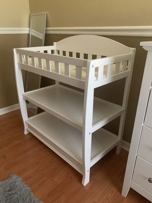 Changing table. White for Sale in New Port Richey, FL