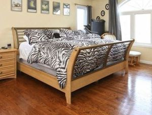 King sleigh bed - frame, head and foot boards - mattress not included for Sale in Casselberry, FL