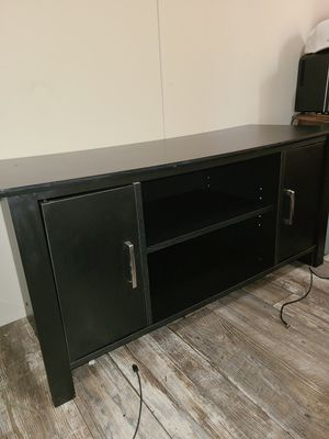"55"" Black TV stand. Mink condition for Sale in Imperial, MO"