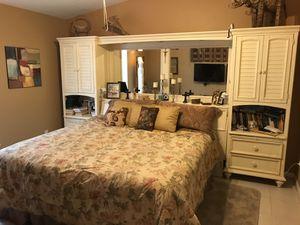 Bedroom furniture for Sale in Jensen Beach, FL