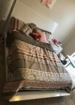 Bedroom for Sale in North Miami, FL