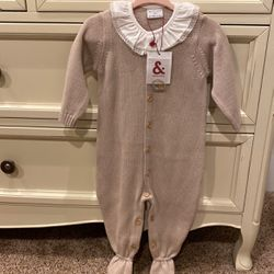 New! Beautiful Knitted Onsie Size 9-12 Months for Sale in Oregon City,  OR