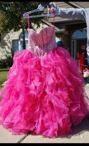 Hot pink quinceanera dress for Sale in Needville, TX