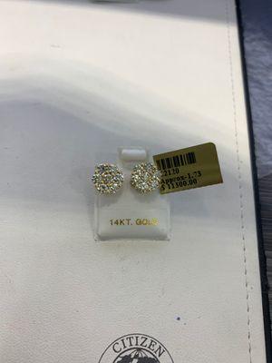 10k Gold Beautiful Diamond Earrings for Sale in Los Angeles, CA
