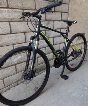 GT Talera hybrid mountain bike 700c 29er for Sale in Brea, CA