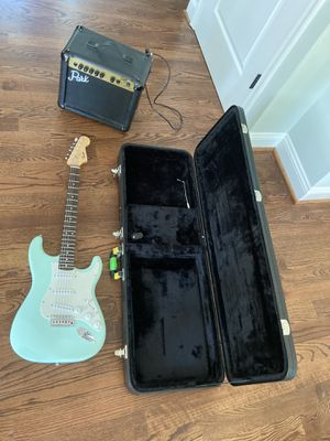 Fender Squier electric guitar with case and Park amp for Sale in Takoma Park, MD