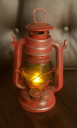 Weathered Oil Lamp for Sale in Lake View Terrace, CA