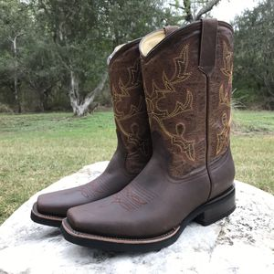 Rodeo Ferrero - Work Sole - 100% Leather! Roman Boots!! Delivery Service Included!!! for Sale in San Antonio, TX