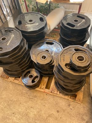 210lb Olympic Rubber Weight Plates Set (45's, 35's, 25's) Iron Grip for Sale in San Marcos, CA