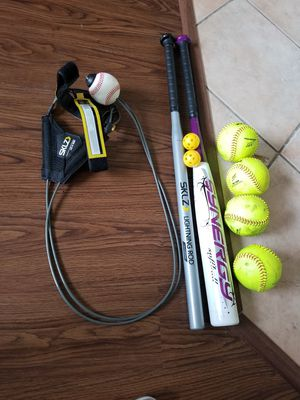 Softball bat and training set for Sale in Pembroke Pines, FL