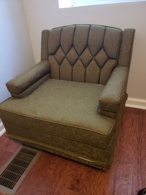 Antique chair for Sale in St. Louis, MO