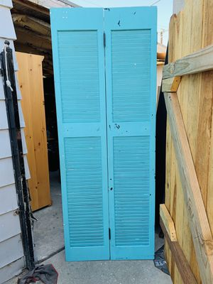 Blue closet door for Sale in Cudahy, CA