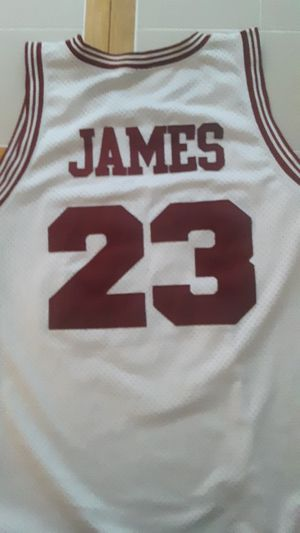3xl Red and white Lerbon James Cavaliers Jersey for Sale in Ephrata, PA