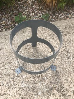 SINGLE 30 pound tank Freon (refrigerant) holder. for Sale in Plainfield,  IL