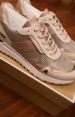 BRAND NEW MICHAEL KORS TENNIS SHOES SIZE 8 1/2 for Sale in Tyrone, GA