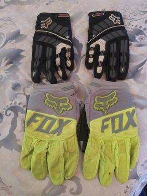 Dirt bike gloves for Sale in Menifee, CA