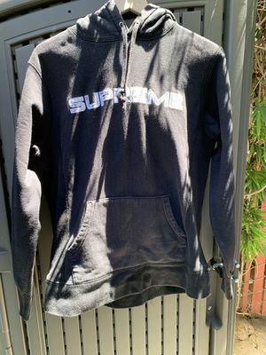 Supreme Hoodie - Size Medium for Sale in Pacifica, CA