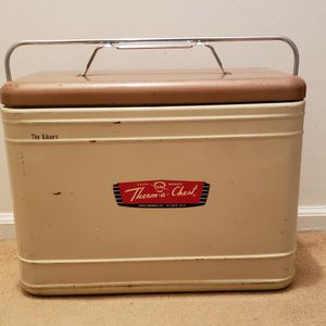 Vintage Knapp Monarch Therm-a-Chest cooler for Sale in St. Charles, IL
