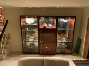 Vintage mid century modern illuminated display cabinets by Henredon for Sale in McLean, VA