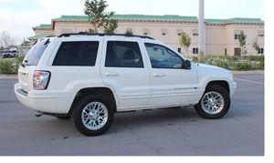 Very Good 2004 Jeep Grand Cherokee AWDWheels for Sale in Newark, NJ