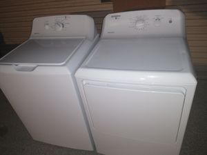 Hotpoint washer and gas dryer for Sale in Oswego, IL