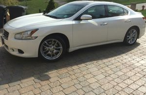 2OO9 Nissan Maxima Price$1OOO for Sale in St. Louis, MO