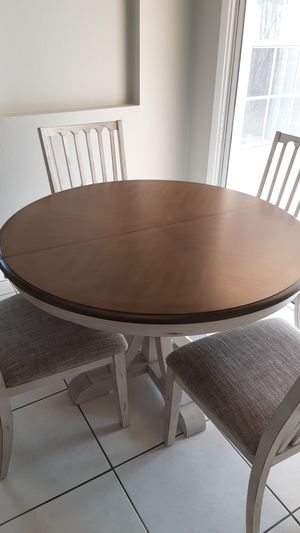 Solid wood Dining table set for Sale in Apopka, FL