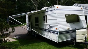 2001 Hornet by Keystone. 24' camper for Sale in Plainfield, CT