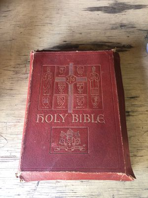 Free 1951 bible for Sale in Aberdeen, WA