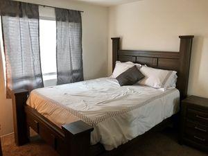 Complete Queen Size Bedroom Set for Sale in San Diego, CA