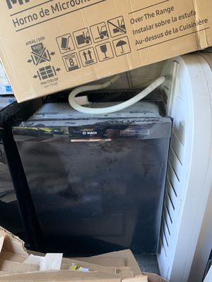 Bosch dishwasher in good condition for Sale in Valrico, FL