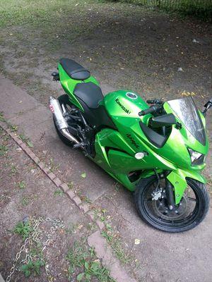 2012 Kawasaki Ninja 250 for Sale in Muscatine, IA