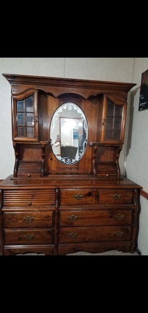 Queen bedroom set for Sale in Lexington, SC
