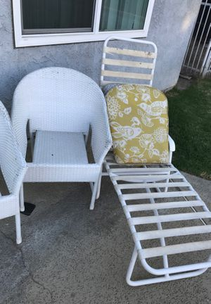 Free chairs for Sale in Rancho Cucamonga, CA