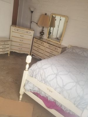 Twin bedroom set French provincial for Sale in Modesto, CA